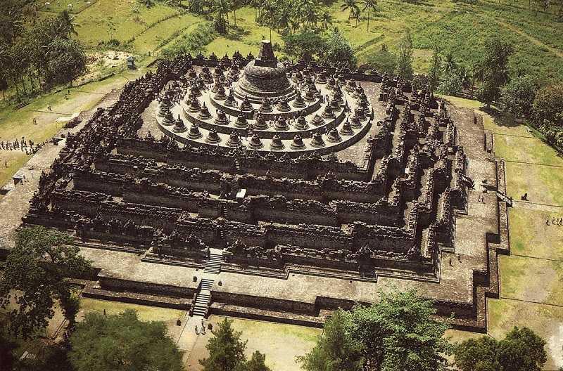 храмовый комплекс Боробудур ява