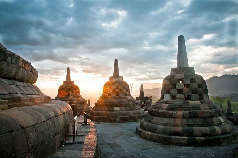 храм Боробудур восход солнца