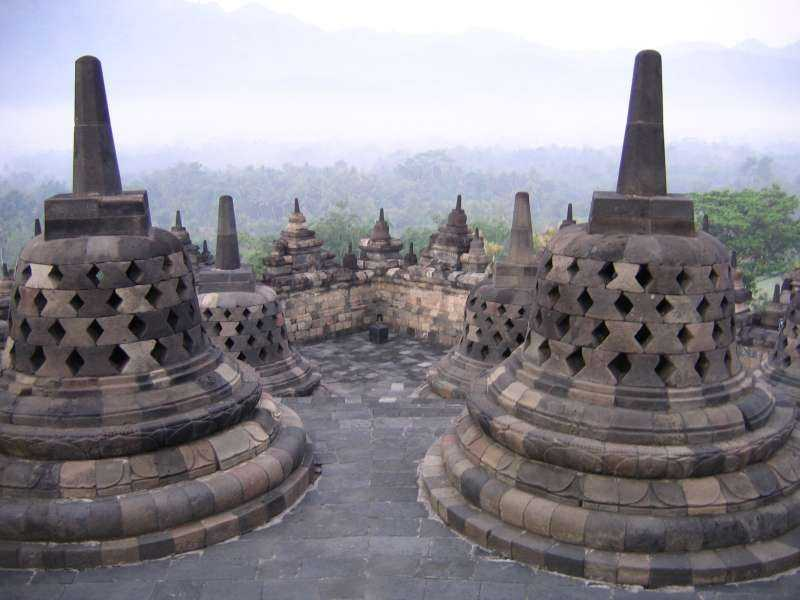 Боробудур в Индонезии