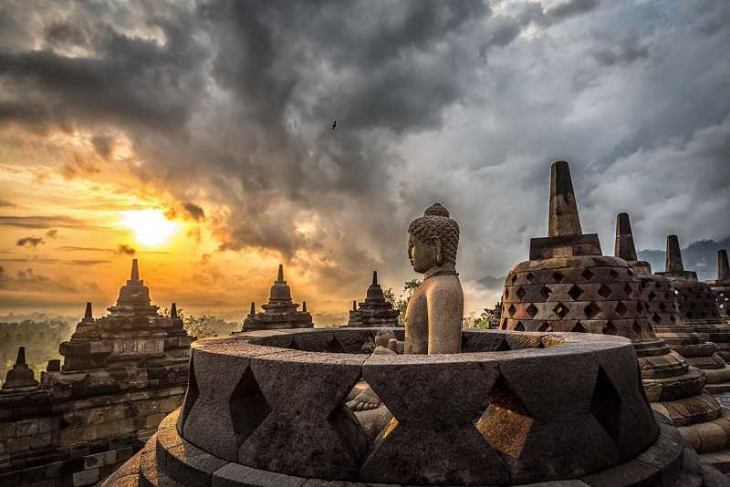 Храмовый комплекс Боробудур Индонезия