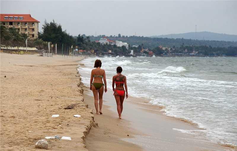 Город Хойан пляж