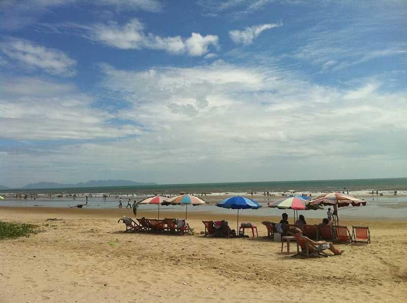 Задний пляж