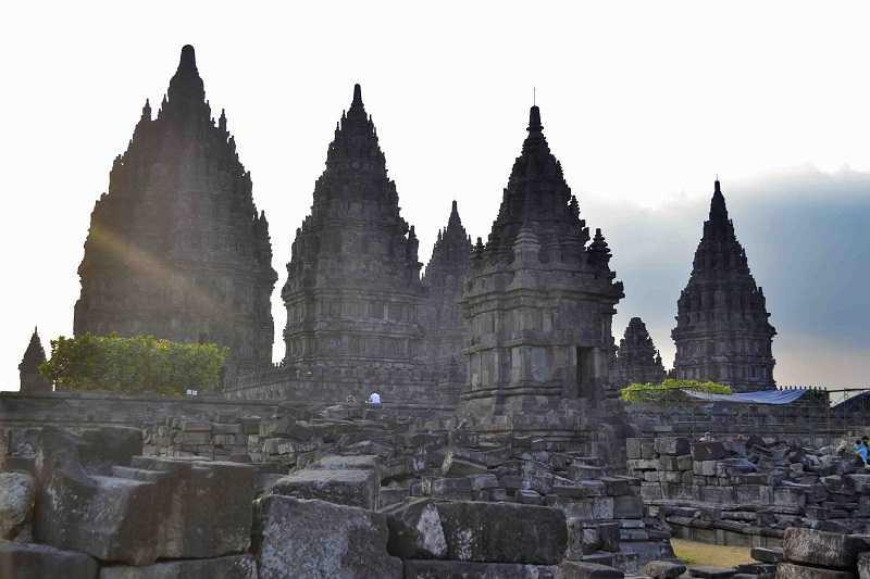 Индонезия, Прамбанан на восходе