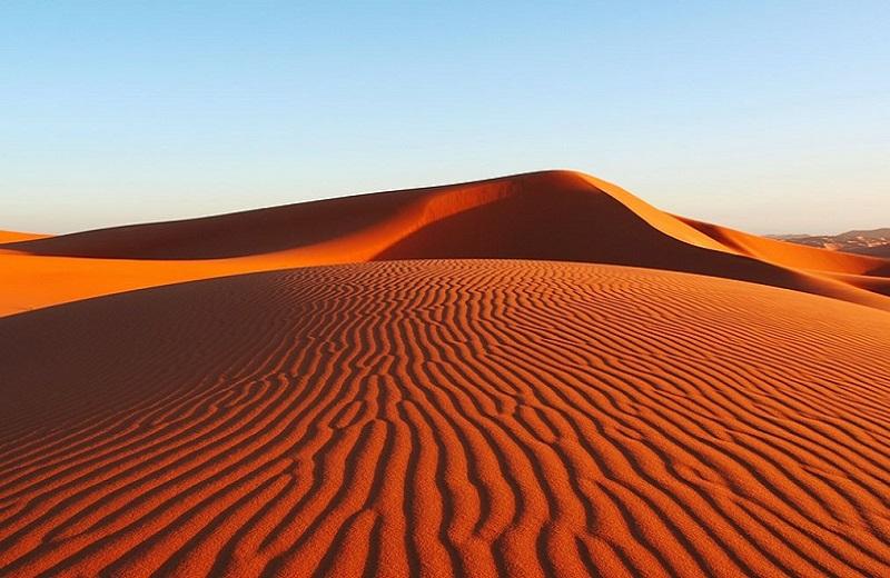 Муйне красные дюны