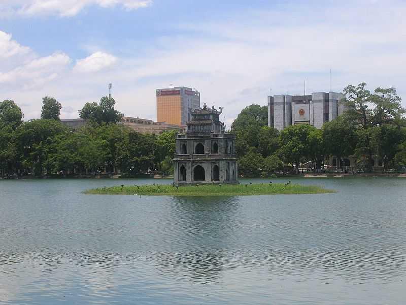 Озеро возвращённого меча пагода Черепахи