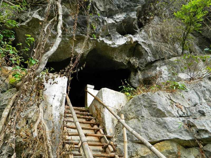 Остров Катба пещеры