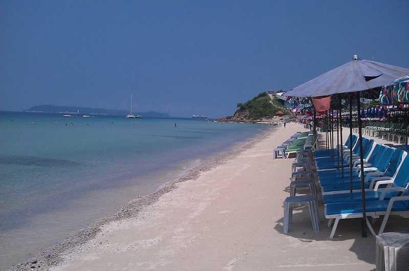 Пляж Хат Кай Кэу