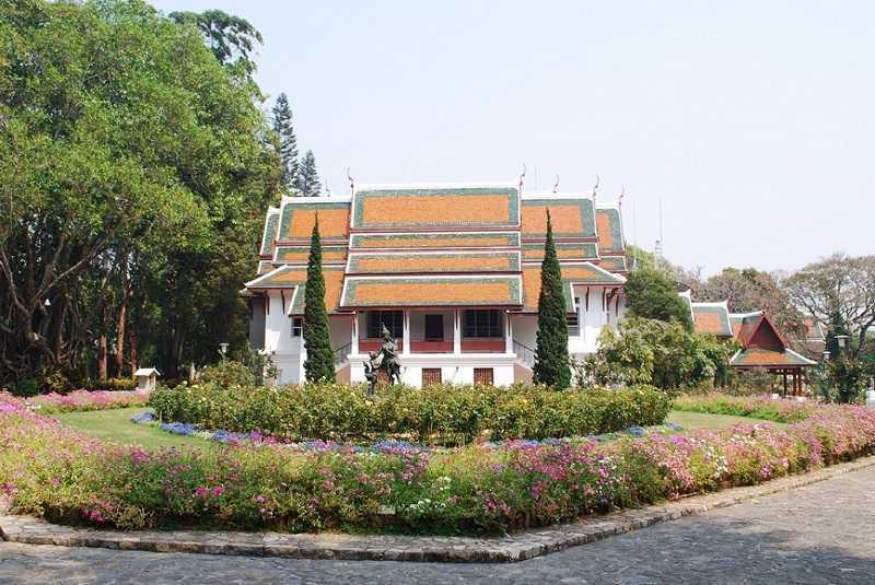 дворец Бхубинг