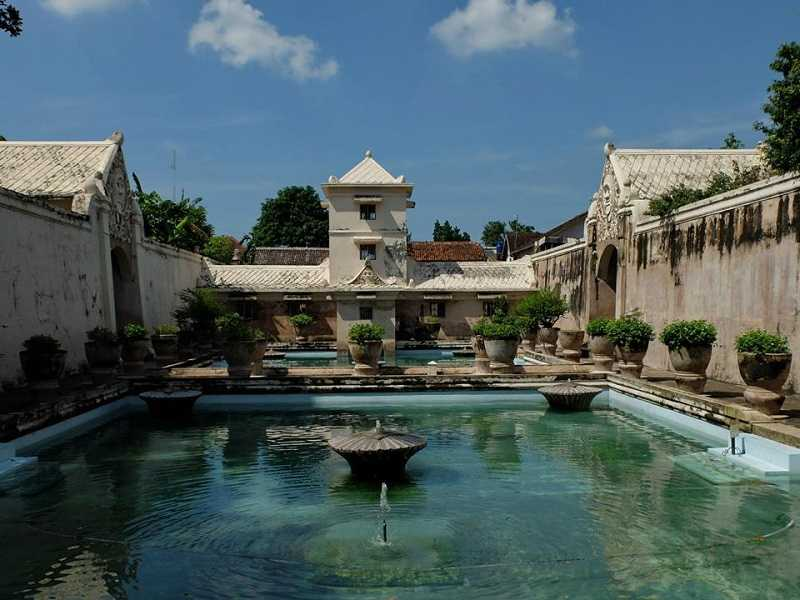 джокьякарта Водный дворец Таман Сари