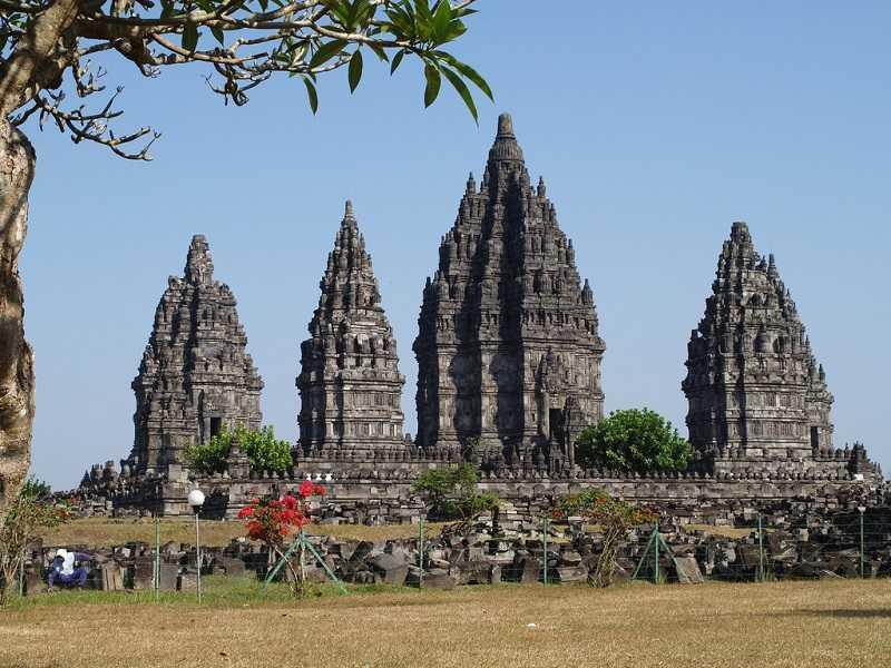 индуистский комплекс Прамбанан остров Ява