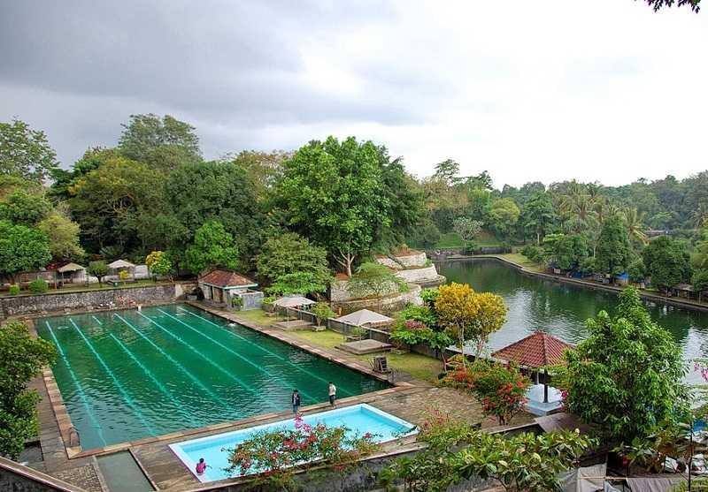 ломбок Водный парк Нармада