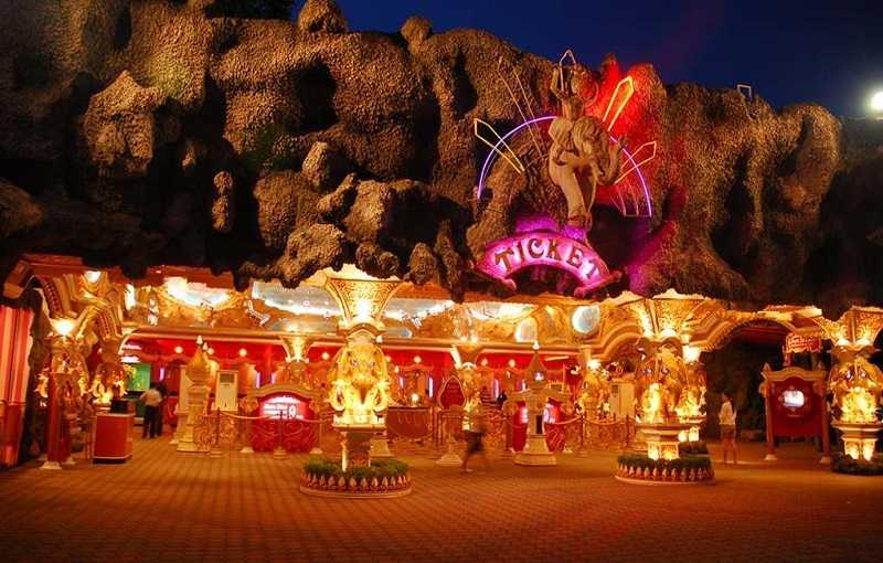 парк Phuket FantaSea