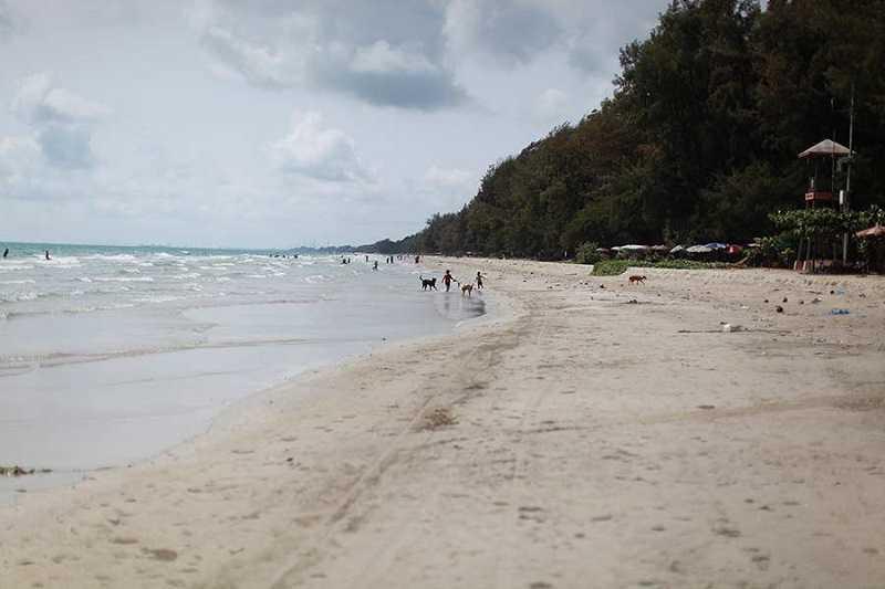 пляж Laem Charoen