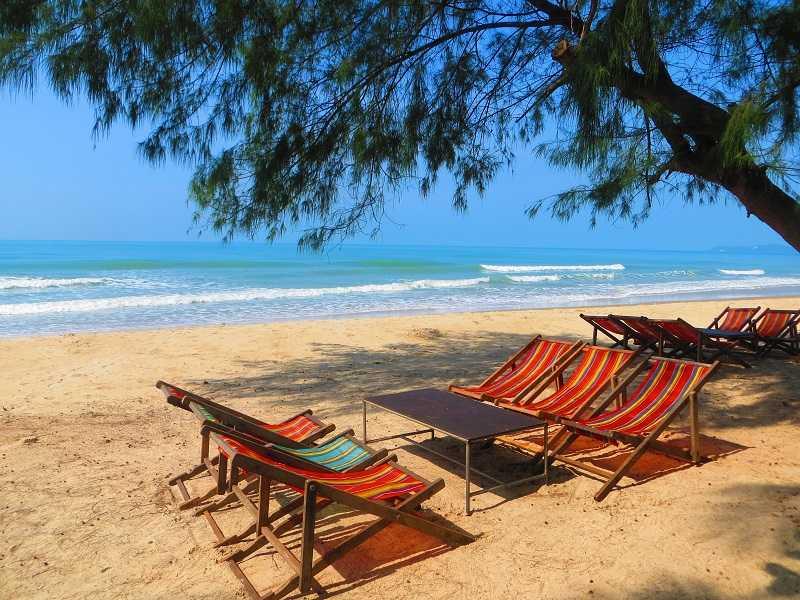 пляж Laem Mae Phim