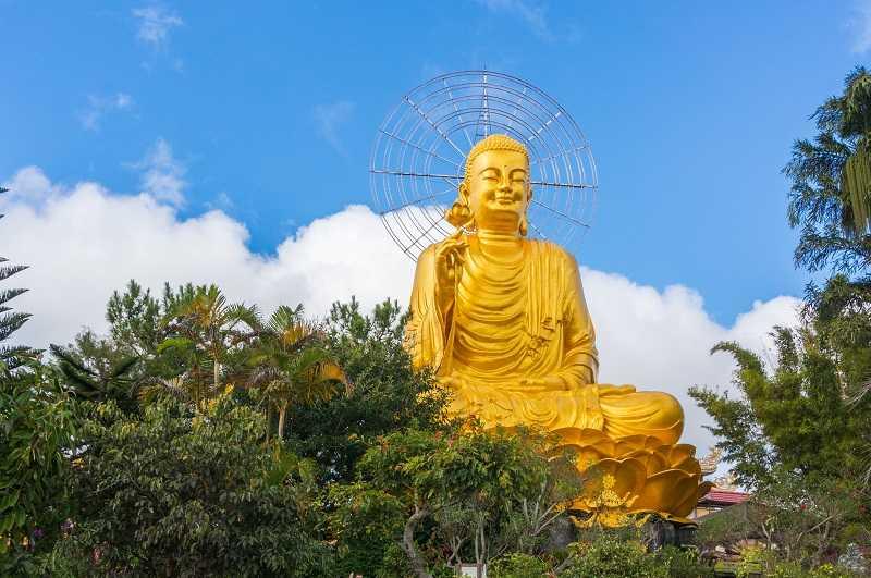 статуя Будды Шакьямуни, достопримечательности Далата