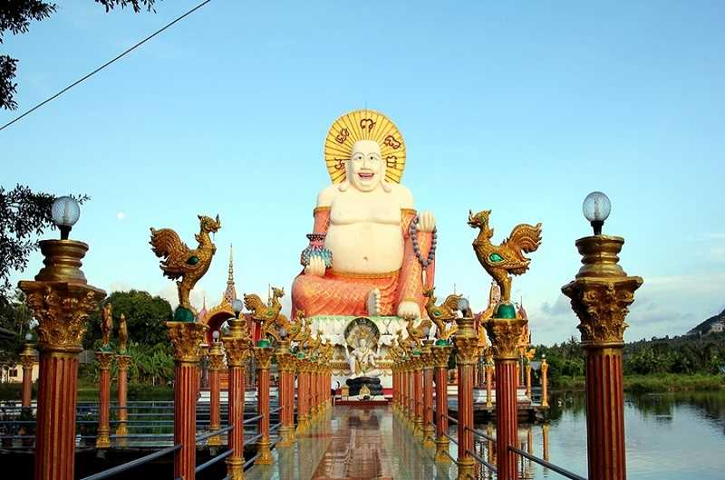 статуя Счастливого Будды