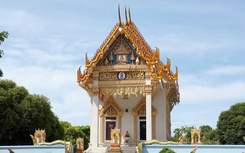 храм Wat Khunaram