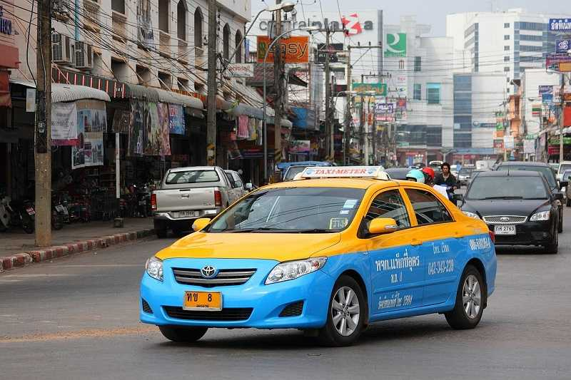 1280px-Taxi-meter_in_Udon_Thani