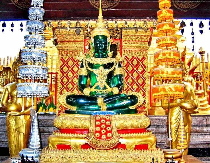храм изумрудного будды,статуя будды