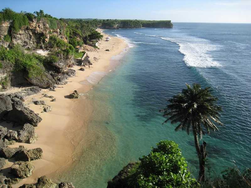 Баланган на Бали волны