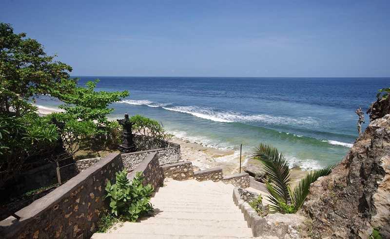 Бали Баланган лестница к пляжу
