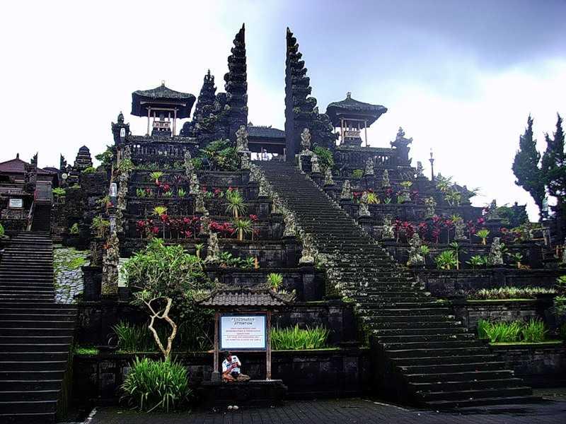 Бали Храм Пура Бесаких
