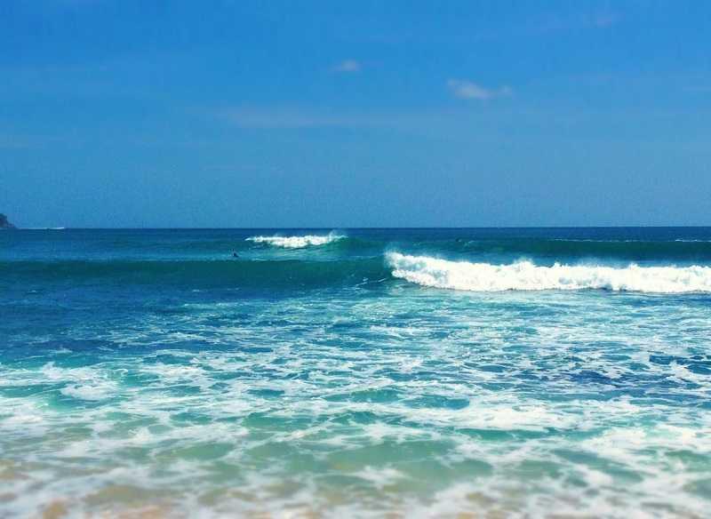 Бали пляж Дримленд волны