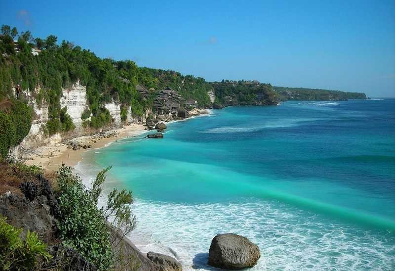 Бали пляж Дримленд волны1