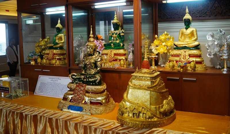 Бангкок Храм Золотой горы Ват Сакет святыни