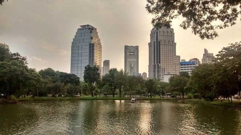 Бангкок Люмпини парк водоемы