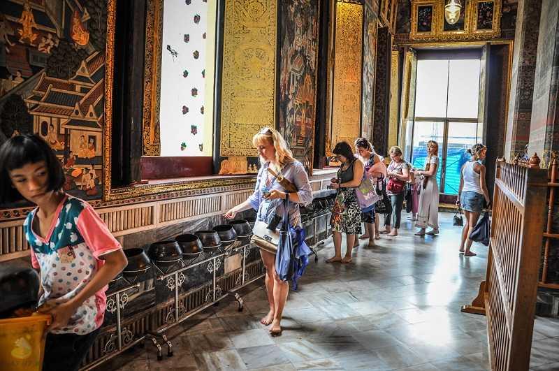 Бангкок храм лежащего Будды правила поведения