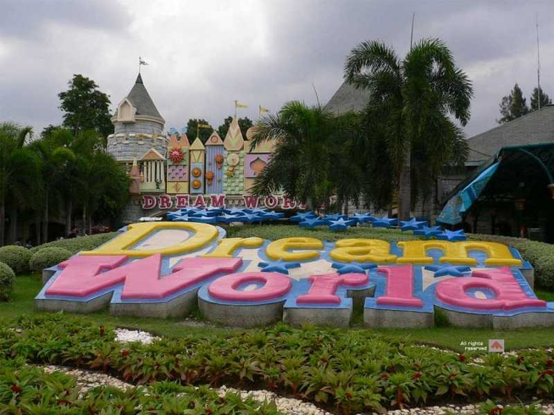 диснейленд парк развлечений Дрим Ворлд в бангкоке