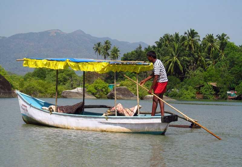 Бенаулим катание на лодке