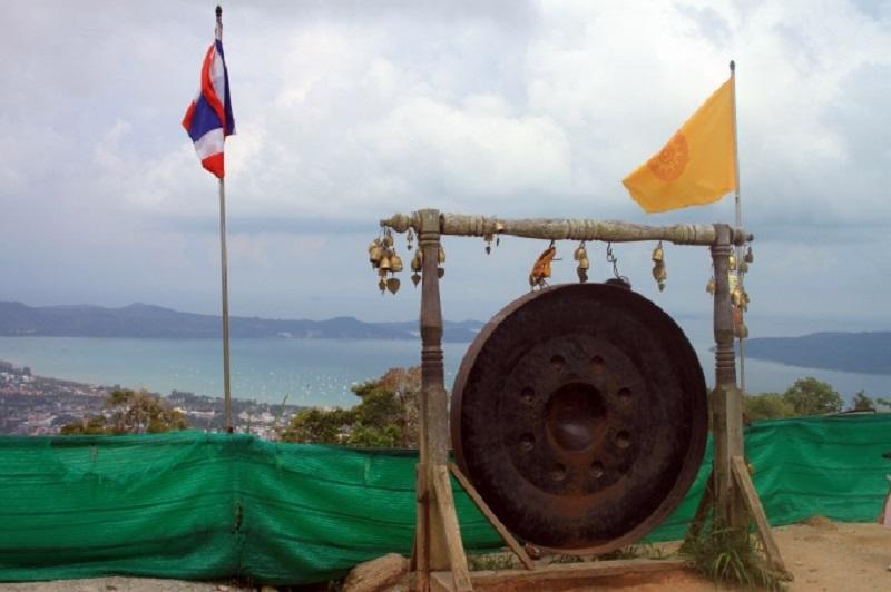 Большой Будда на Пхукете музей гонг