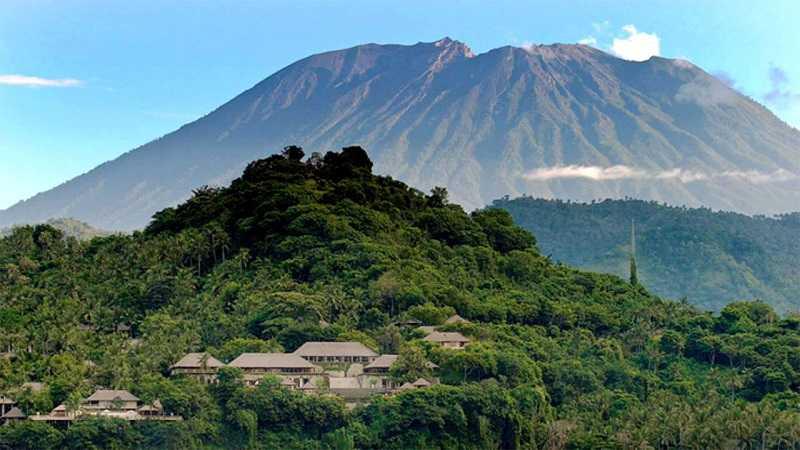 Чандидаса Гора-вулкан Агунг