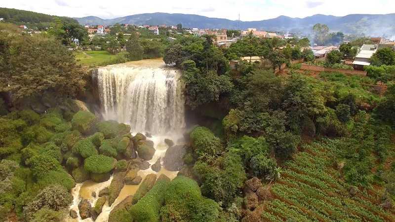 Далата слоновий водопад