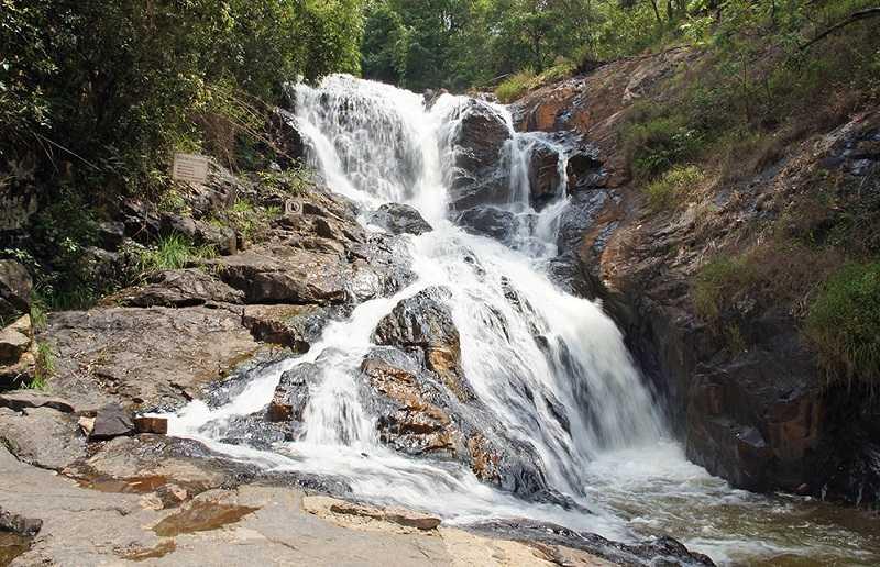Далата водопад Датанла