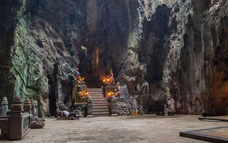 Дананг мраморные горы необходимость в фонарике