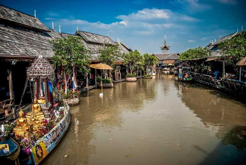 Джомтьен в Паттайе плавучий рынок