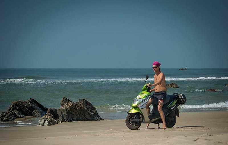 Гоа пляж Парадайз катание на мотоликле