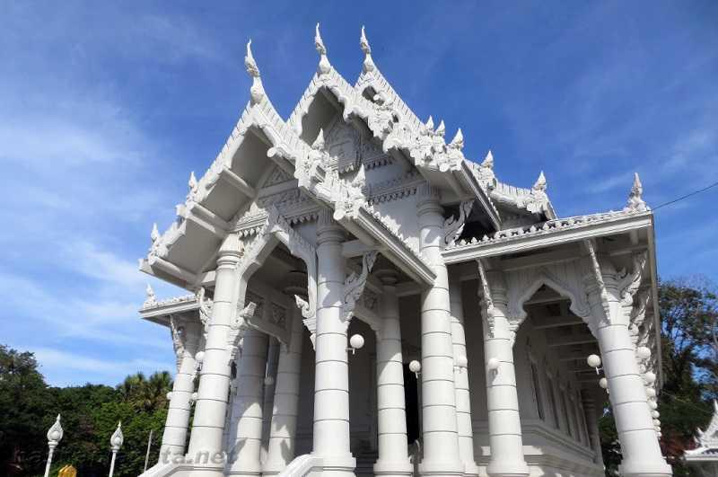 Город Краби храм Wat Kaew Korawaram