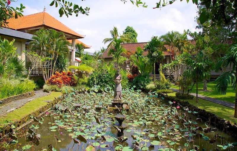 Город Убуд на Бали Пури Лукисан