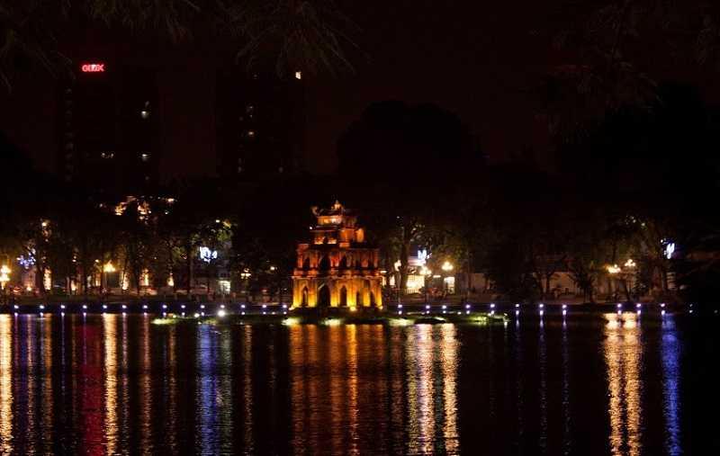 Хоанкьем озеро возвращённого меча башня Черепахи
