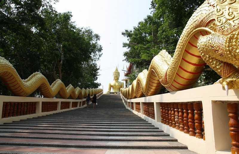 Холм Большого Будды в Паттайе  Наги