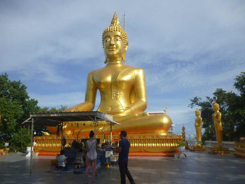 Холм Большого Будды в Паттайе  загадывание желания