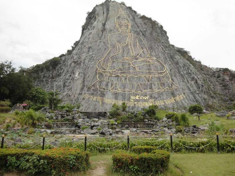 Храм Ват Ян в Паттайе Будда