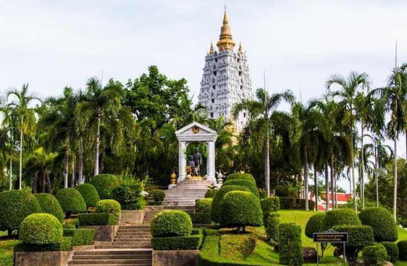 Храм Ват Ян в Паттайе парк