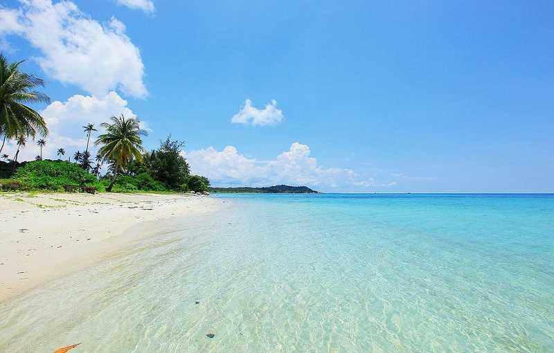 Индонезия Сулавеси пляж