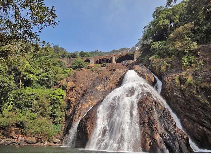 Калангут водопад Дудхсагар