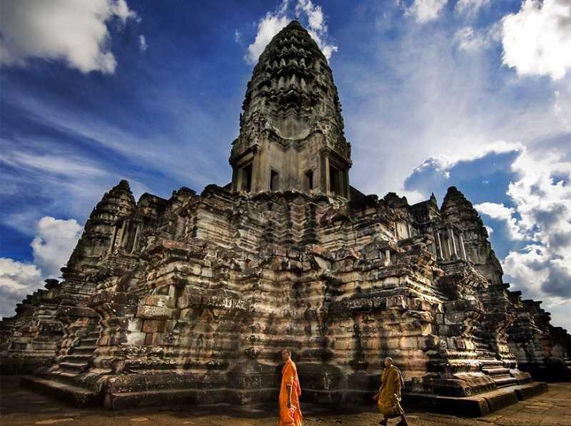 Kambodzha-hramovyiy-kompleks-Angkor-Vat-